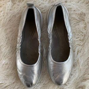 Come Haan Silver Metallic Grand O Women's Size 10B